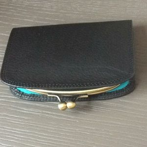 Accessories - Leather wallet